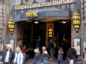 800px-Theater_Tuschinski