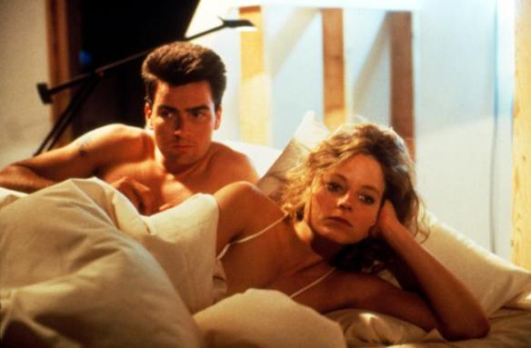 Charlie Sheen, Jodie Foster in Backtrack (1990) aka Catchfire
