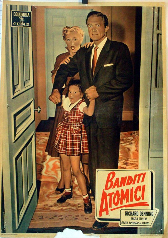 An Italian lobby card of CREATURE WITH THE ATOM BRAIN (1955)