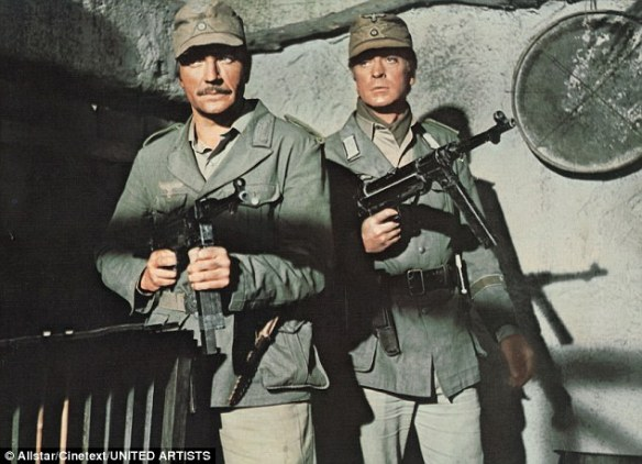 Nigel Davenport (left ) & Michael Caine in PLAY DIRTY (1969)