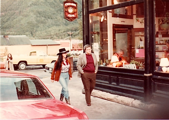 Roger Ebert and an unidentified companion outside the Excelsior Cafe at the 8th Telluride Film Festival (1981, photo by Jeff Stafford)
