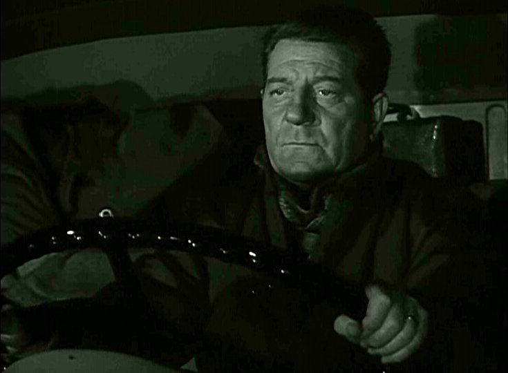 Jean Gabin plays a world weary trunk driver in Henri Verneuil's Des gens sans importance (1956, aka People of No Importance).
