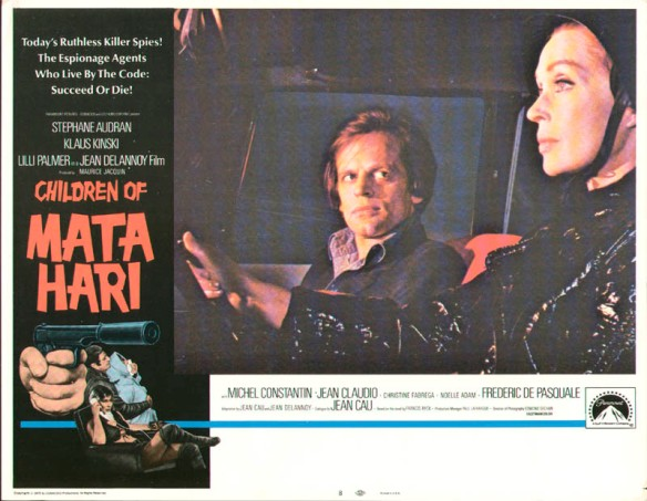 Lobby card of Klaus Kinski and Lilli Palmer in La peau de torpedo (1970) aka Children of Mata Hari