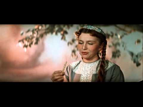 Vasilisa (played by Ninel Myshkova) in Ilya Muromets (1956, aka The Sword and the Dragon)