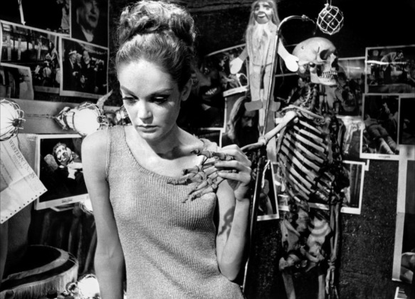 Elizabeth Hartman as a twisted seductress in You're a Big Boy Now (1966)