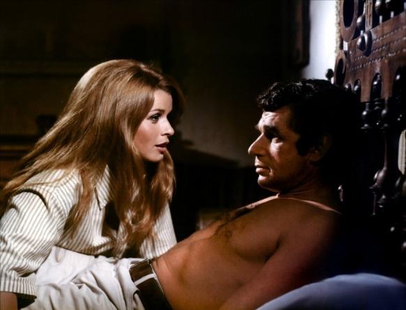Senta Berger & Michel Constantin contemplate their escape options in Les etrangers (1969)