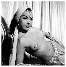 Nejla Ates, the belly dancing sensation of Turkish Delight (1949)