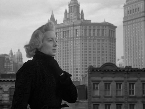 A manhunt is under way for Evelyn Keyes as The Killer That Stalked New York (1950)