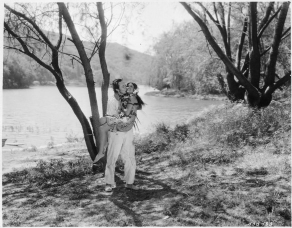 Monte Blue and Raquel Torres enjoy a brief idyllic romance in White Shadows in the South Seas (1928)