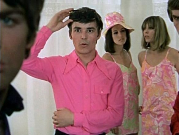 Barry Evans is a would-be Alfie in Here We Go Round the Mulberry Bush (1967)