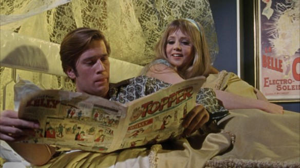 Nicky Henson and Vanessa Howard in Here We Go Round the Mulberry Bush (1967)