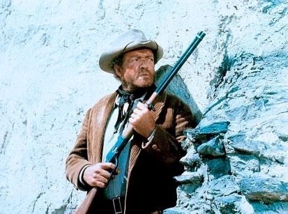 Van Heflin is pinned down in the climatic shootout in The Ruthless Four (1968)