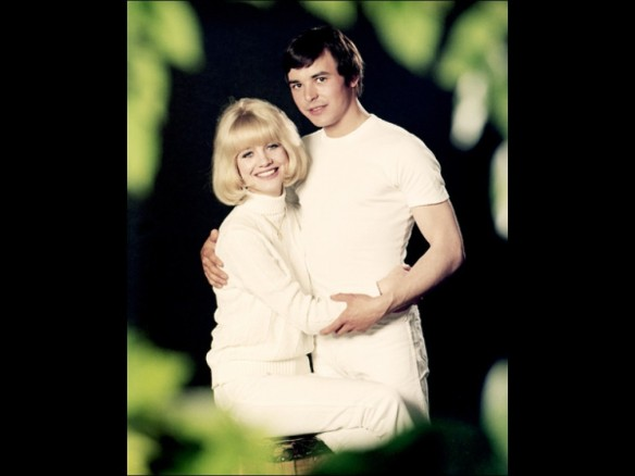 Judy Geeson and Barry Evans in a publicity shot for Here We Go Round the Mulberry Bush (1967)
