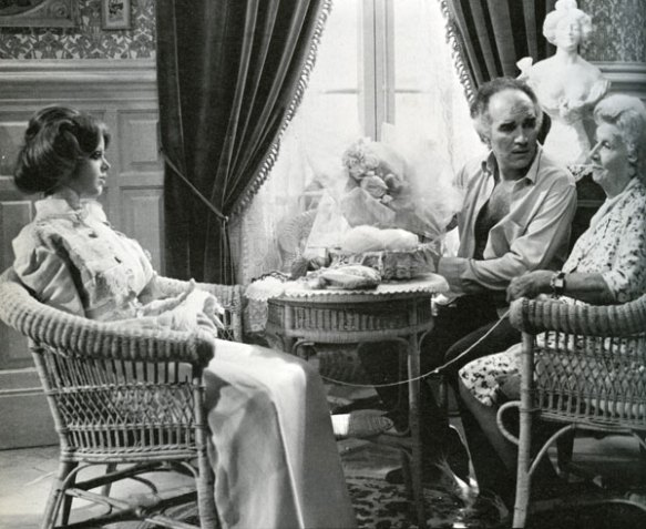 Michel Piccoli and his companion enjoy some quality knitting time with Michel's mom (Valentine Tessier) in Life Size (1974).