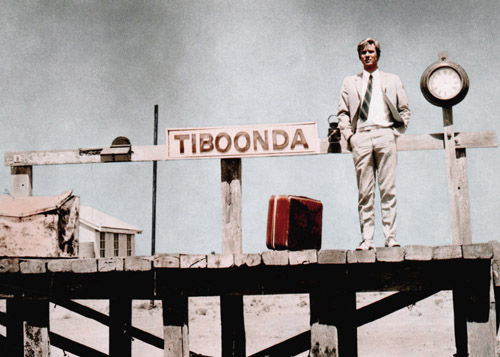 Gary Bond at the start of a holiday that will become an endurance test in Wake in Fright (1971).