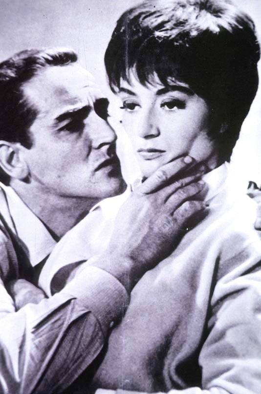 Anouk Aimee becomes disillusioned by her husband Vittorio Gassman's get-rich-quick schemes in Il Successo (1963)