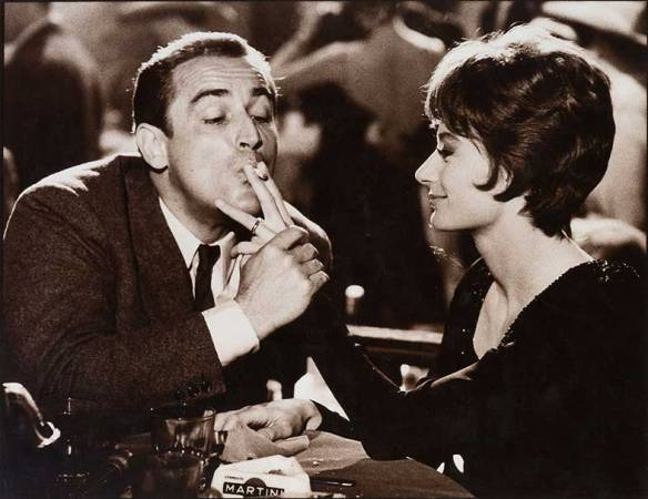 Guido (Vittorio Gassman) and his wife Laura (Anouk Aimee) at a trendy nightclub in Il Successo (1963)