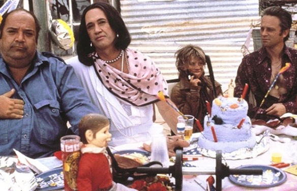 (from left to right) Paul L. Smith, David Carradine, unidentified child actor, Brad Dourif) in Sonny Boy