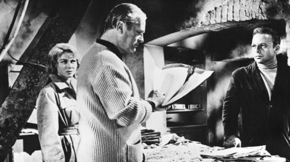 Gia Scala, Curd Jurgens (center) and Herbert Lom star in I Aim at the Stars (1960)