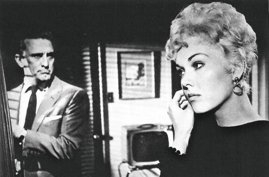 Kirk Douglas & Kim Novak star in Richard Quine's Strangers When We Meet (1960).