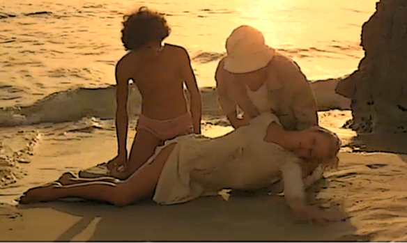 Mimsy Farmer stars as a mysterious woman who has washed up on a beach in Fabio Carpi's Corpo d'amore (1972)
