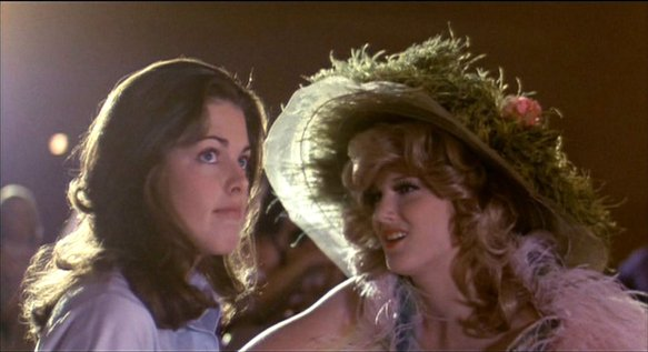 Joan Prather (left) as Robin and Annette O'Toole as Doria, rival beauty contestants in Smile (1975).